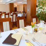 Reštaurácia - stôl